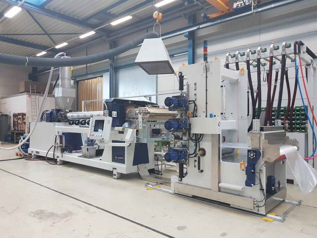 MEAF extruder for its production of recycled PET (R-PET)